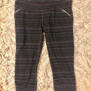 Athleta Black Striped Cropped Leggings
